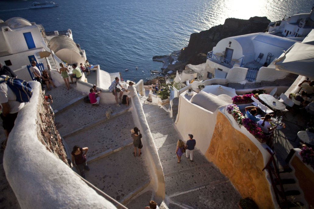 how-many-days-are-required-to-visit-santorini